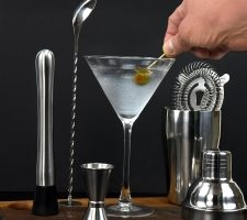 best-cocktail-shaker-set-review-guide